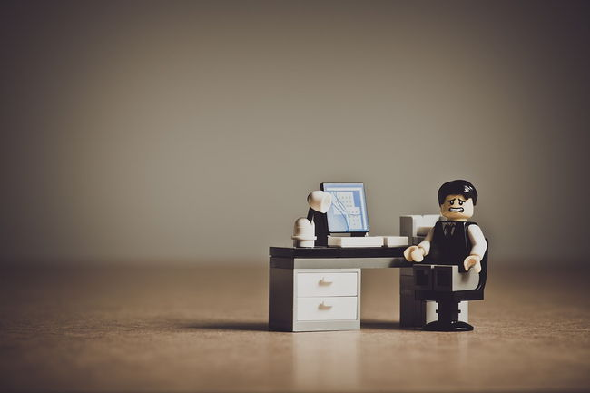 in-despair-employee-lego