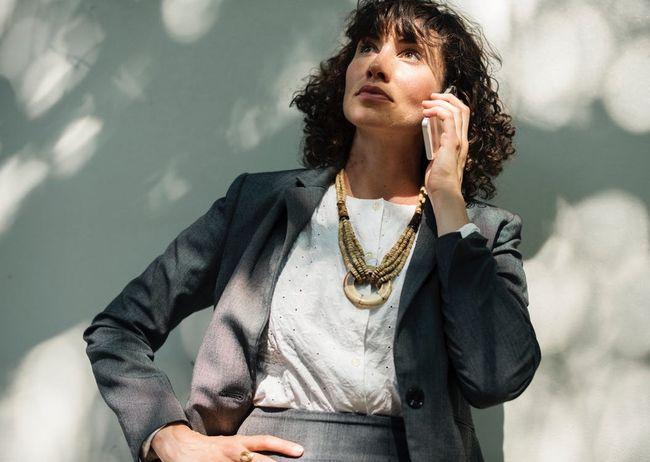 woman-cellphone